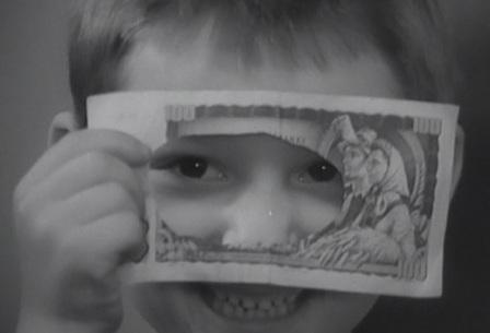 """Doma ho ale zaskočil synek s """"číháním"""" a pak ho překvapil s ukrytými penězi všelijak rozstříhanými, když je našel"""