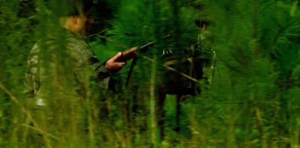 Dostali hlášku, že se jednotka jihovietnamců dostala do obklíčení Viet Congem snad v síle jednoho praporu a hrozí jí zničení