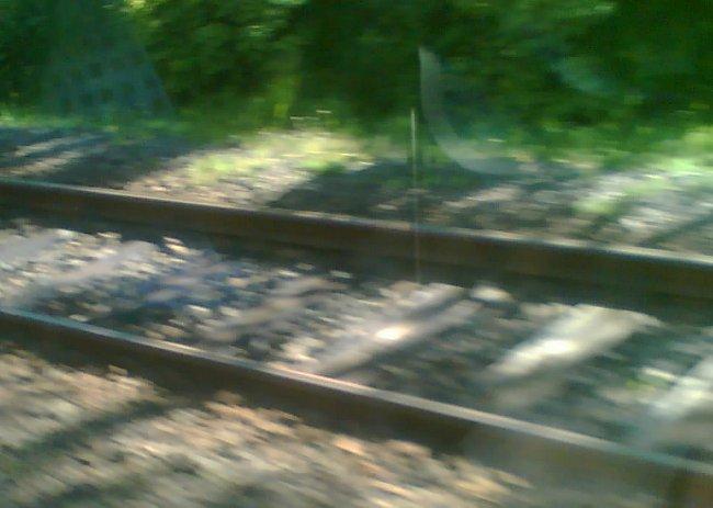 Druhá kolej naznačila, že se blíží železniční stanice