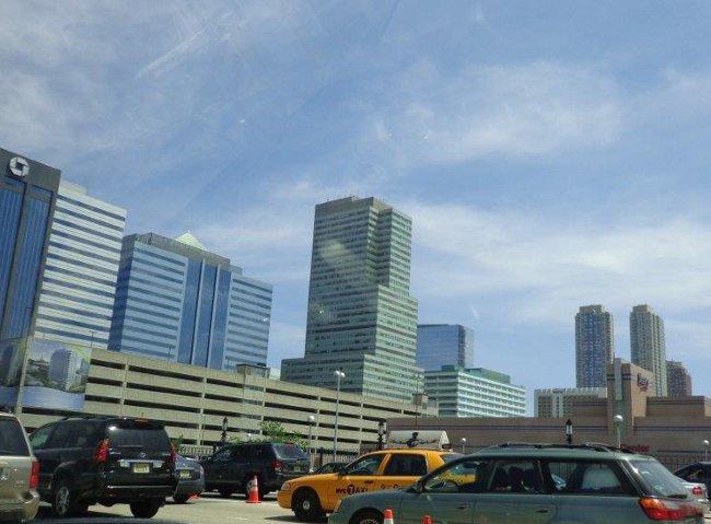 ...dovolena u konce, uz jsme par vterin pred Holland Tunnel, pred vstupem na Manhattan.
