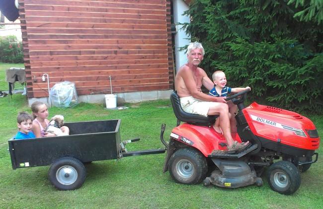 Fífa se rozhodl, že se stane traktoristou