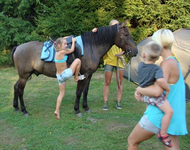:)))))) Občas to z koně dolů jde mnohem rychleji přes jeho hlavu