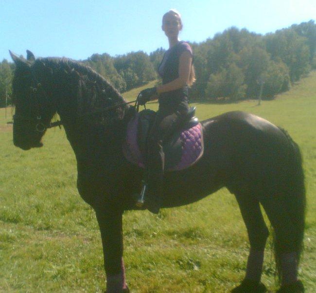 Pro krásu koní a rychlost žen!