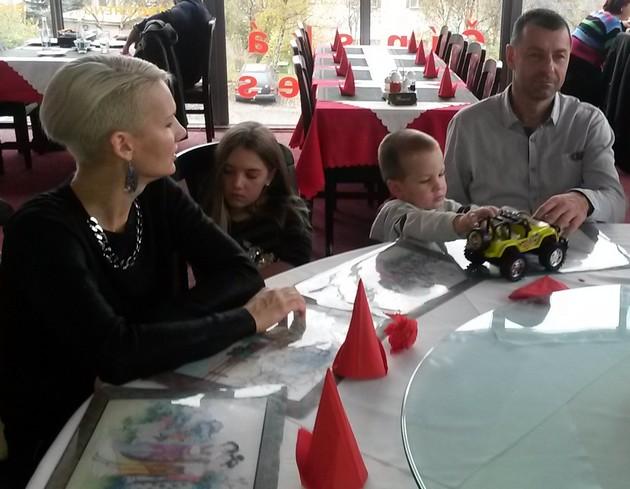Nika a Tibor s vnoučaty